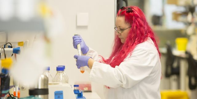Scientist calls for help to fight superbugs